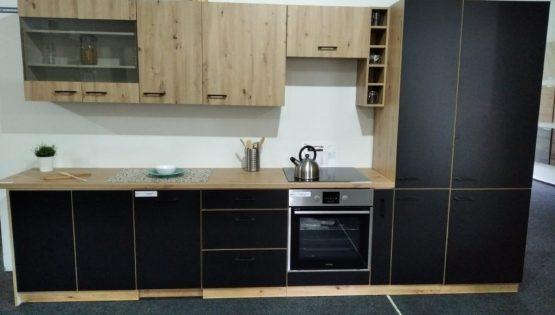 Evelin – nová kuchyň z výstavy